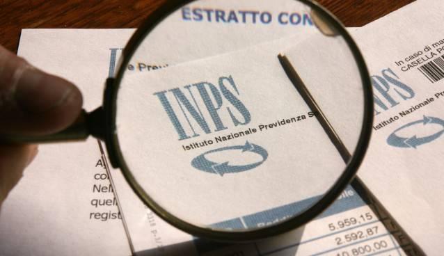 12 04 2007 Brescia Inps cartelle previdenziali istituto nazionale previdenza sociale Ph.FotoLive Ettore Ranzani