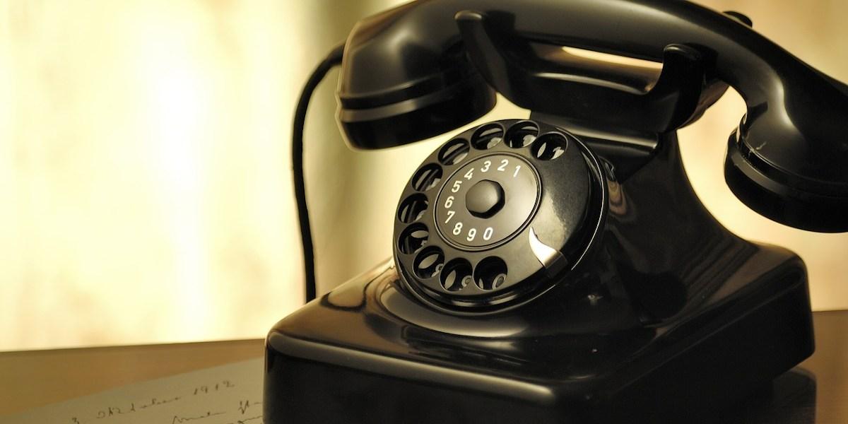 aumento della bolletta del telefono